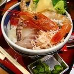 牧原鮮魚店 - 魚屋の海鮮丼(並)680円