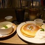 カフェ マドンナ - アイスクリーム、パンケーキ、珈琲、カフェラテ
