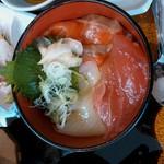 30068688 - かに徳昼膳の海鮮丼