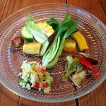 30069982 - 土日祝日ランチコースの前菜 こだわり野菜のサラダと鱧のエスカベッシュ