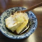 手打蕎麦 みたか - お通し「おぼろ豆腐」