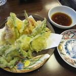 手打蕎麦 みたか - 「夏野菜天ぷら」