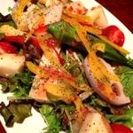 お肉とワイン 関内ビストロ ZIP - おまかせサラダ