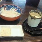 前 - ZEN膳 ¥1200の蕎麦がき、手前の小皿にはきな粉、プリン