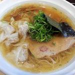 大阪麺哲 - 醤油雲呑