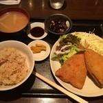 家庭料理 ひまわり - 本日の定食(アジフライ)
