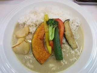 カレーの王様 後楽園店 - ・「彩り野菜とチキンのグリーンカレー(\680)」
