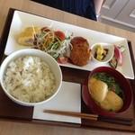 FUMUROYA CAFE  香林坊大和店 - くるまふ入りハンバーグランチ