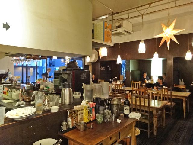 タベラ - ショップ側から見たカフェ