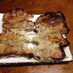 紀八 - 焼き餃子。これ美味しいんだよねー!