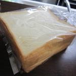 30085264 - 食パン♪