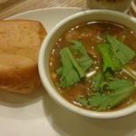有楽町カフェ&ダイニング バイ ロイヤル - 食べるスープとパン (2014/8)