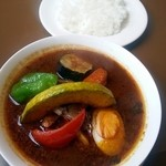 マルシェ - 料理写真:チキンと野菜のスープカレー