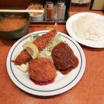 キッチン ジロー - ...「海老フライ&ハンバーグ&帆立ミルクコロッケ(940円)」、揚げたてが最高!
