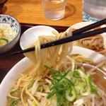 30096747 - 麺は細麺ストレート