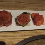 大阪屋 - キムチの3種盛り