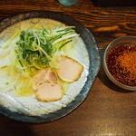 つけ麺本舗 辛部 - 定番つけ麺(7辛)