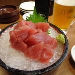 泳ぎ活魚・炭火焼き 駅前 - お造り 生マグロ