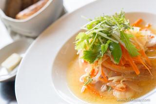 Royal Garden Cafe 青山 - 低温で煮込んだ鶏肉と海老、野菜のサフラン風味【2014年8月】