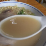 いしやま - スープ すくい上げ