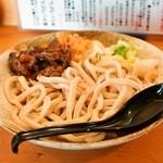 五葵 - 料理写真:2014.8 冷たいうどん(500円)+肉(馬肉、150円)