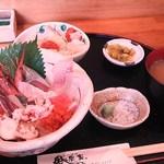 魚家 - 海鮮丼(ランチ)1200円