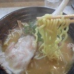 30141638 - 麺は中太縮れ麺