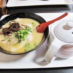 七うら - ラーメン600円。 日常麺としてはまずまずの価格。