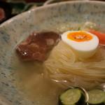備長炭焼肉としゃぶしゃぶ 仔虎 - 冷麺(辛味別)