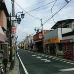 30144618 - 桶川駅東口から旧中仙道方向を見る。