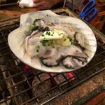 小岩トロ函 - 牡蠣のニンニクバター焼き