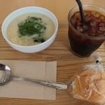 30146176 - 枝豆とインゲンのクリームスープのスモールセット(M700円)。