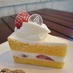 パティスリー ラ・グリシーヌ - ショートケーキ