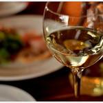 トラットリア ラウライタリコ ピアッティーノ - ドリンク写真:「ハッピーアワー」はハウスワイン飲み放題