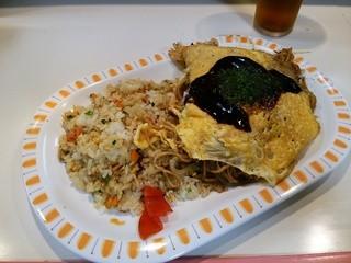 ビオレ - 焼き飯とオムチャーメン、ドリンクのセット(780円)
