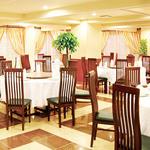 鵬天閣 - 広々フロアで気兼ねなくお食事! 個室は6部屋ご用意しております