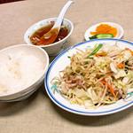 三宝軒 - 『肉野菜炒め定食』750円。
