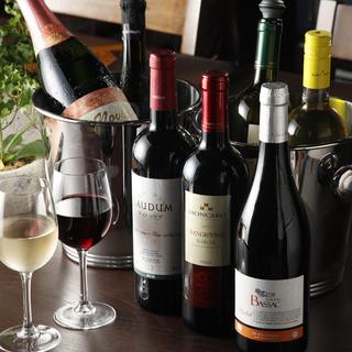 熟成肉と相性抜群のソムリエ厳選のワインを多数ご用意!