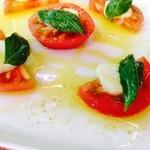30164489 - トマトのカプレーゼ。群馬産のようです。