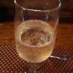 タートバン - グラススパークリングワイン
