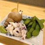 月乃家寿司 - お通し(バイ貝、タコ、枝豆)