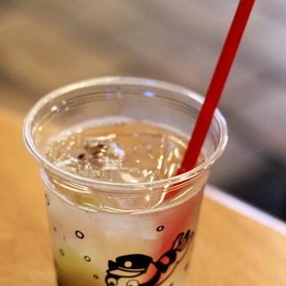 たまカフェ - ドリンク写真:梅ジュース。
