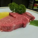 30175156 - 黒毛和牛特選上ヘレ、3,000円(内税)。良い肉質で、超~美味しいでした!!!