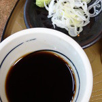 公望荘 - せいろの麺汁に薬味