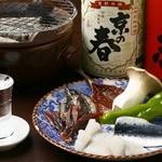 みず屋たったいす - 名物の炭焼きと日本酒