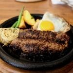 グリル アラベル - 国産黒毛和牛ハンバーグ ビッグ+半熟目玉☆