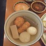 30183546 - 小田原おでん(800円)だし汁が特徴的な味です。叩き梅が添えられています