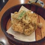 30183548 - シラスの天ぷら:あまりにも巨大でビビりました。