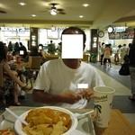 Maui Tacos - 2012年のフードコートの内観