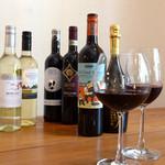 ベビーリーフ - 常時10種類はご用意しているワイン。